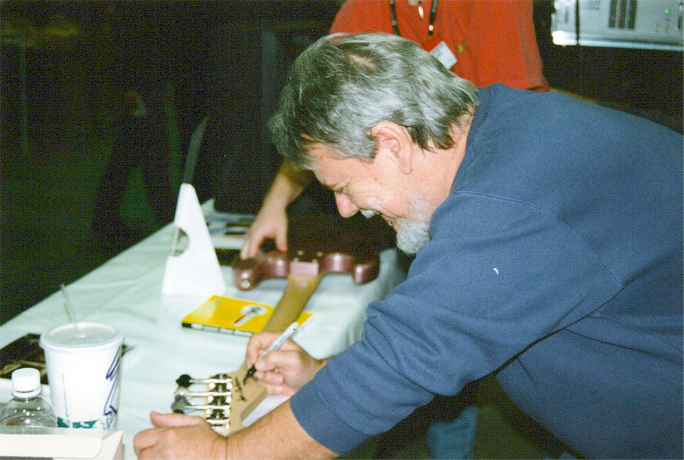 Joe signs headstock